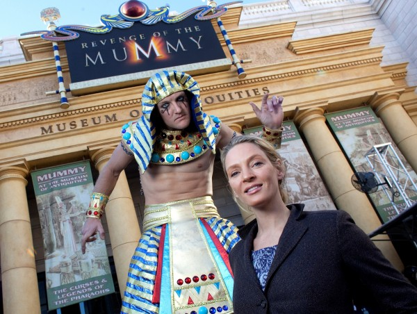 Uma Thurman Visits Universal Orlando - HR
