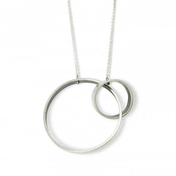 Linked Round Ribbon Necklace