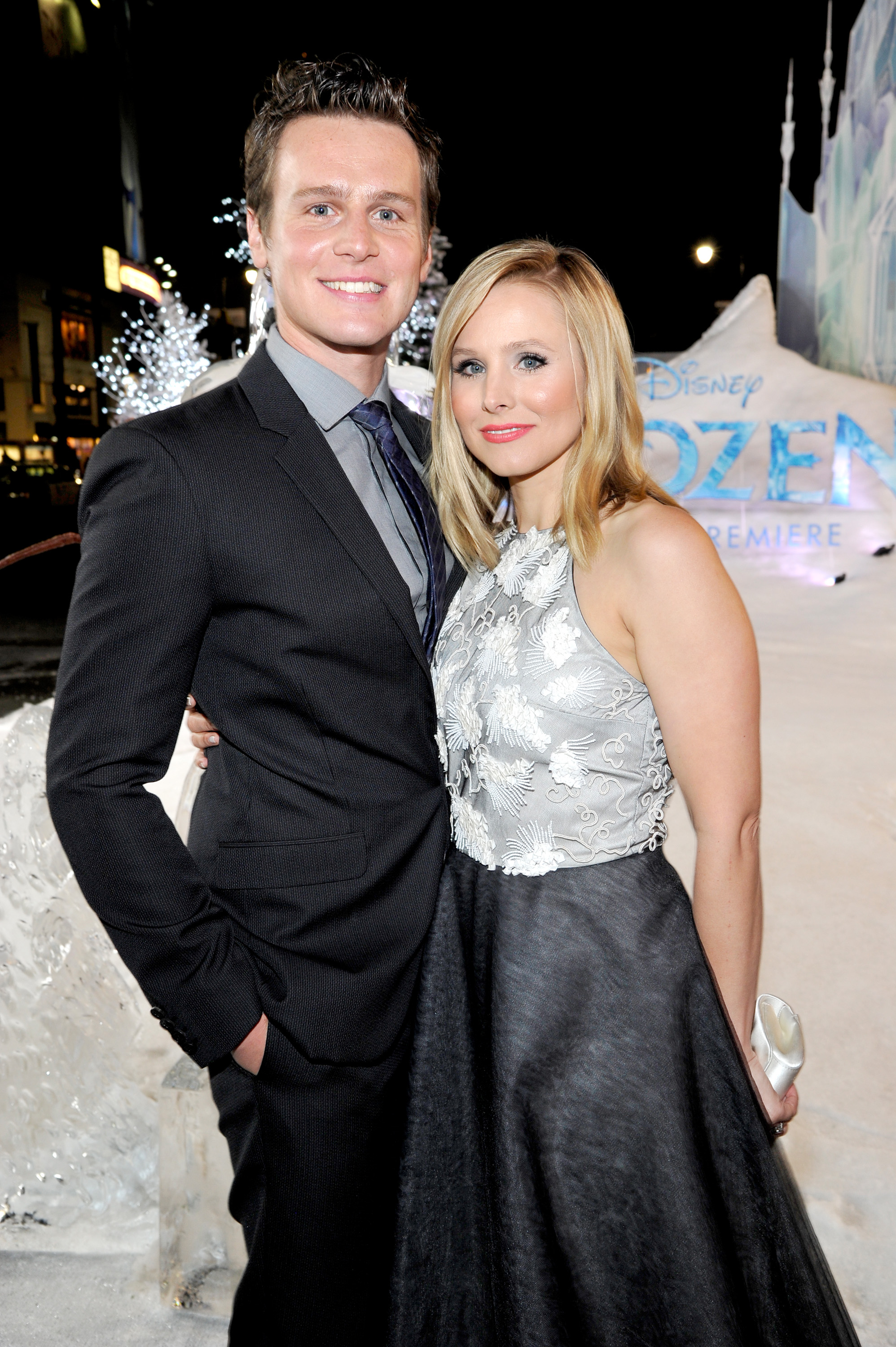 dating kristen bell So, you're dating rob and kristen bell are the authors of the zimzum of love: a new way of understanding marriage (harperone, october 28.