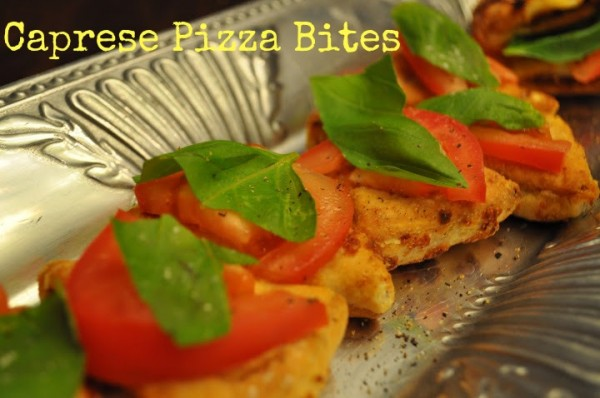 http://classymommy.com/double-slice-caprese-pizza-bites-recipe/