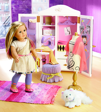 American Girl Isabelle Design Studio set