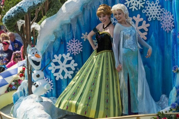Elsa and Anna parade