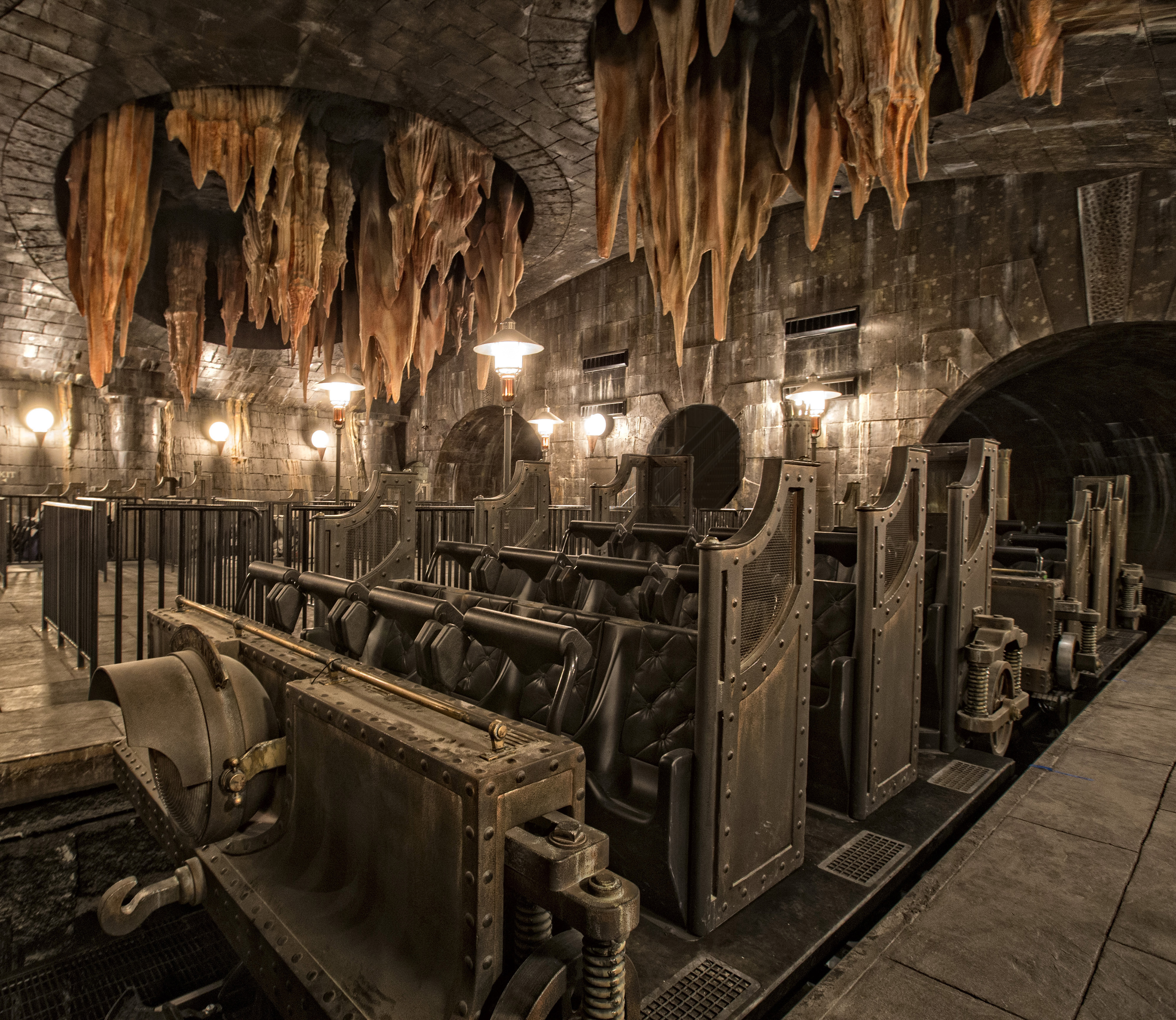 HP and the Escape from Gringotts Ride