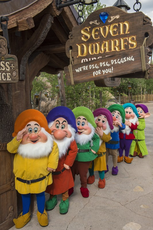 seven dwarfs at mine train