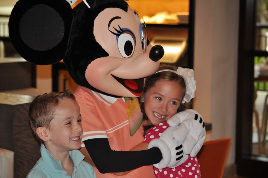 Four Seasons Character Breakfast Photos and Video