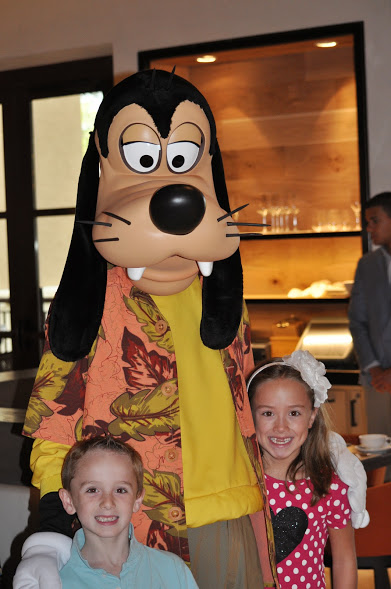 Goofy Four Seasons Character Breakfast