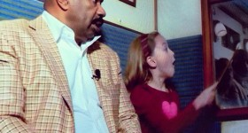 Kenzie Video Clip with Steve Harvey at Wizarding World of Harry Potter