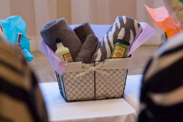 Inspired Hostess Giving Mainstays Gift Baskets For Bed