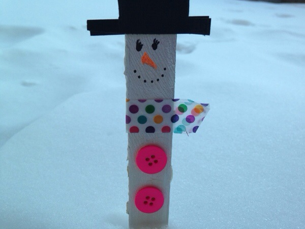 How to Make a Snowman Bookmark from Popsicle Sticks or Clothes Pins