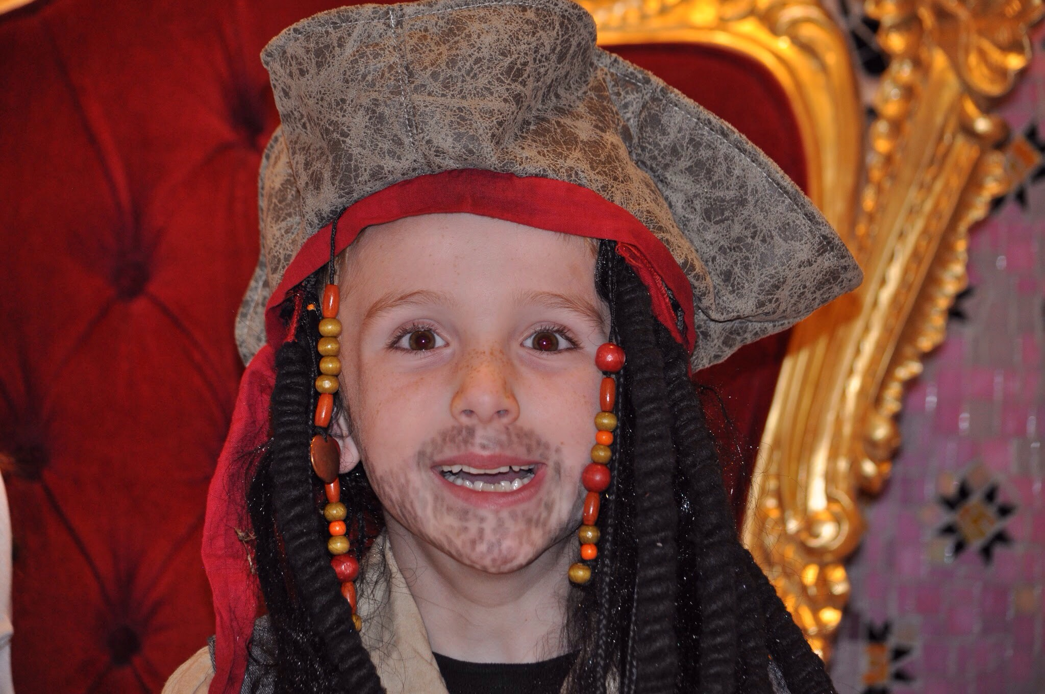 The Stubbled Pirate Beard  sc 1 st  Classy Mommy & DIY Halloween MakeUp with Eyeliner: Simple tricks to create Genius ...