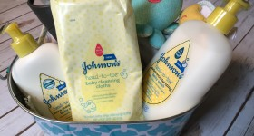 JOHNSON'S ® HEAD-TO- TOE ® cleansing cloths