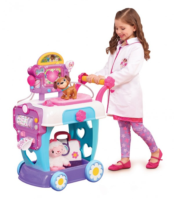 justplay_doc-mcstuffins-care-cart-lifestyle-lr