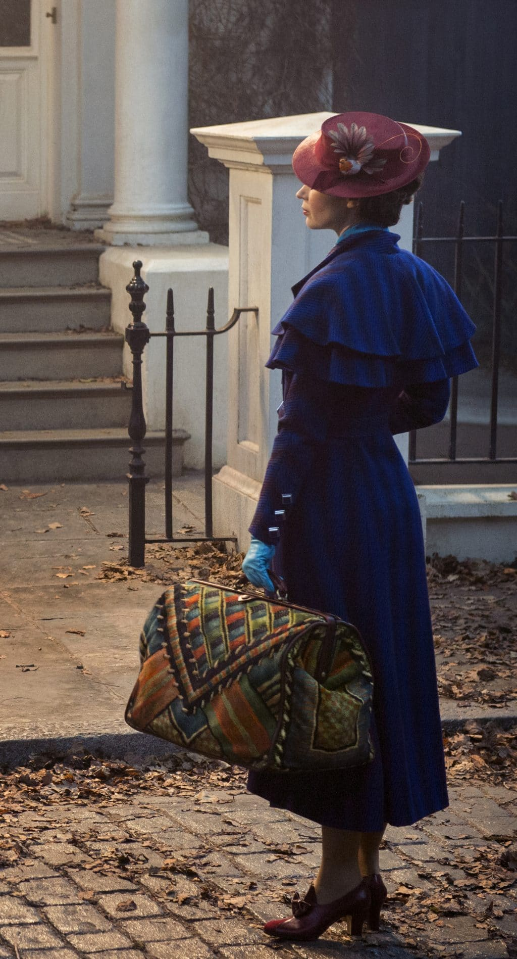 Emily Blunt Stars in Mary Poppins Returns Hitting Theaters in 2018