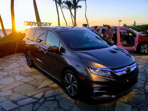 First Look Photos at the 2018 Honda Odyssey