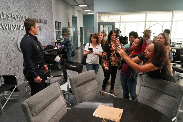 nathan fillion on set with bloggers