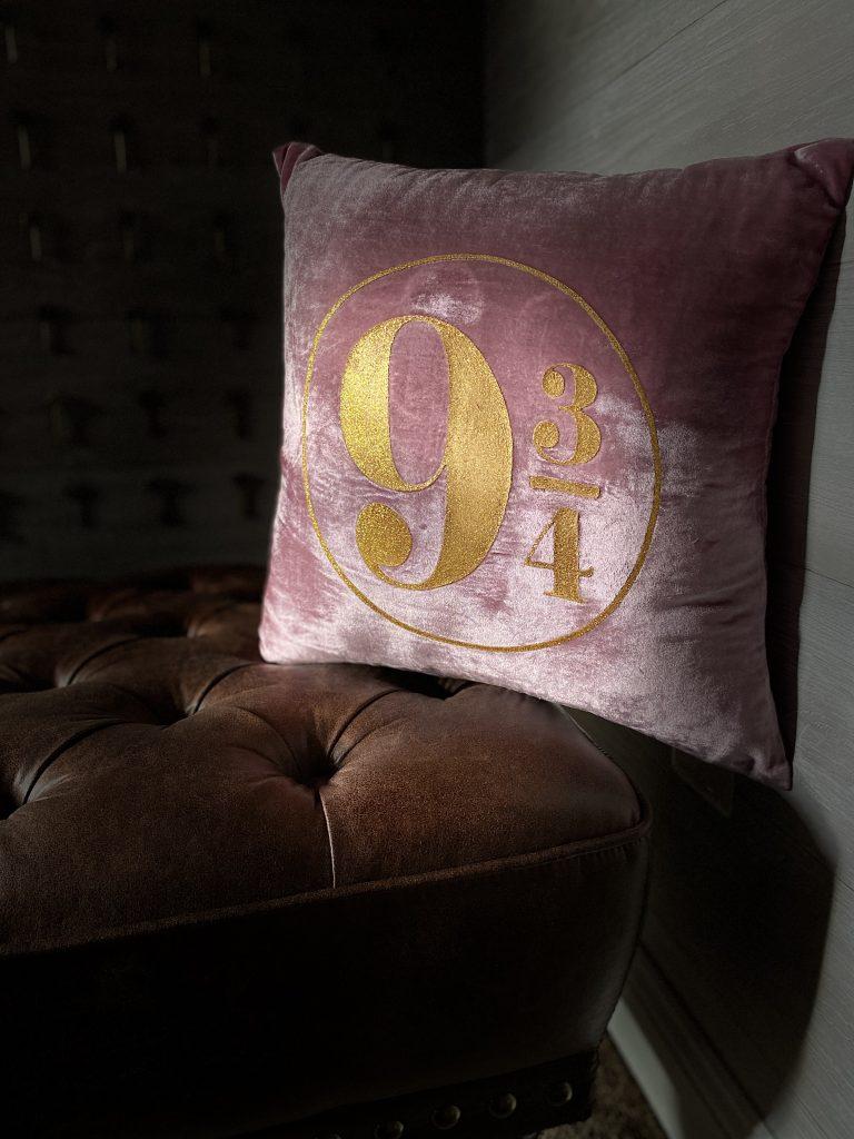 Harry Potter 9-3/4 pillow